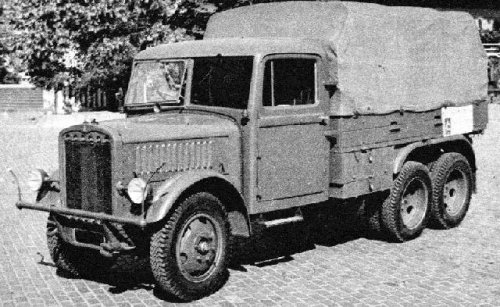 Another left side view of a Praga RV
